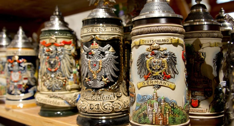 identify-german-beer-mugs-steins