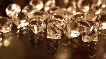 How Do You Identify Raw Diamonds?