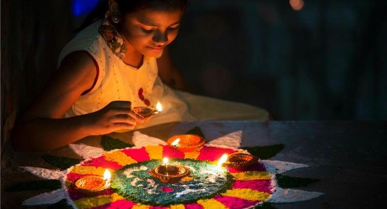 indian-diwali-festival-celebrate