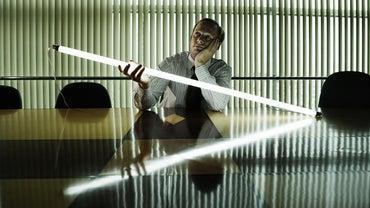 How Do You Install a Fluorescent Light Fixture?