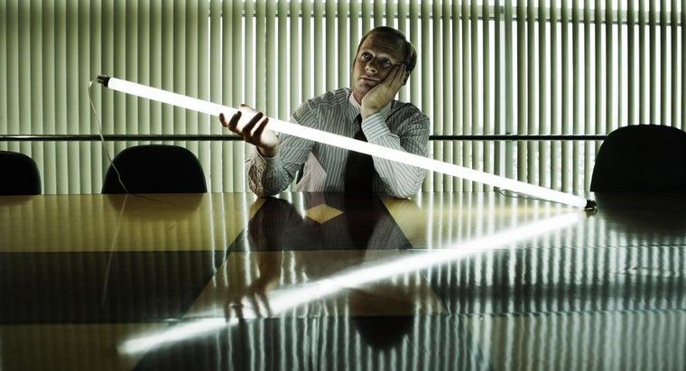install-fluorescent-light-fixture