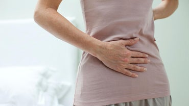 Is Your Stomach Supposed to Feel Tight During Your First Six Weeks of Pregnancy?