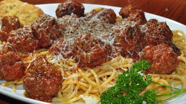 What Is Lidia Bastianich's Recipe for Meatballs?