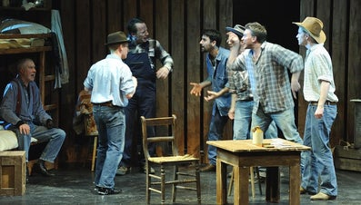 """What Was Life Like for the Migrant Workers in """"Of Mice and Men""""?"""