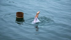 What Kind of Life Did Pearl Divers Live?