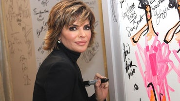 How Does Lisa Rinna Style Her Hair?