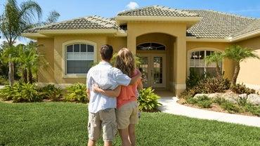 How Long Do Bank Closings Take When Buying a Home?
