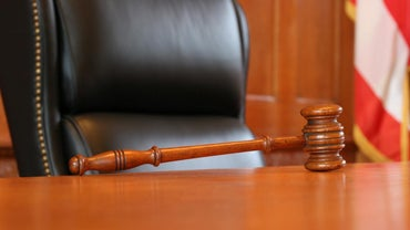 How Long Does a Bench Warrant for Failure to Appear Last?