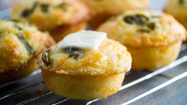 How Long Should Mini Muffins Be Baked?