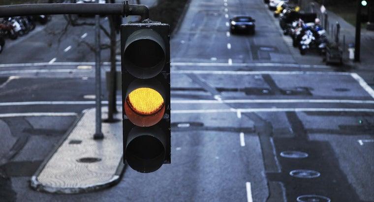 long-traffic-light-stay-yellow