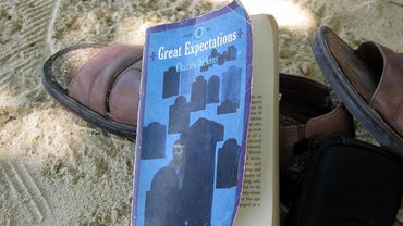 "What Is the Main Theme of ""Great Expectations""?"