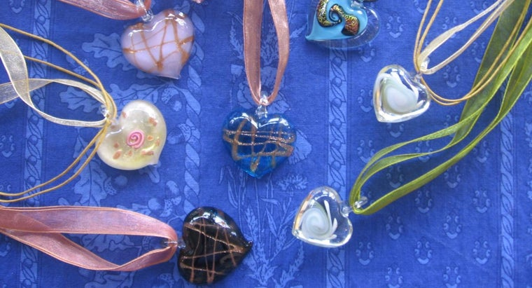 make-fused-glass-pendants
