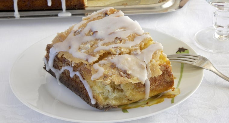 make-paula-dean-s-honey-bun-cake