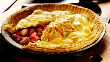 How Do You Make Rhubarb Pie Using Frozen Rhubarb?