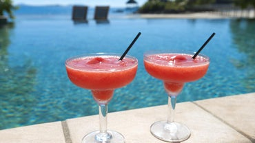 How Do You Make a Strawberry Daiquiri?