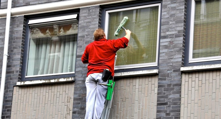 make-window-cleaning-solution