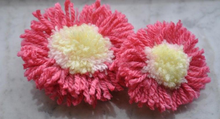make-yarn-pom-pom