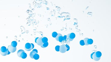 How Many Atoms Are in an H2O Molecule?