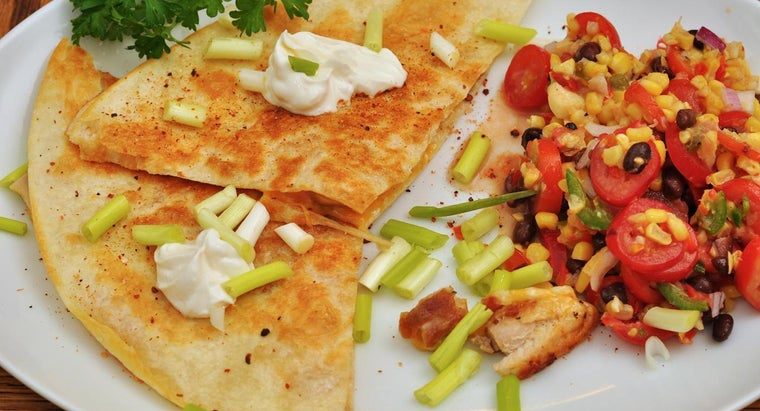 many-calories-chicken-cheese-quesadillas