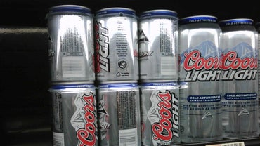 How Many Grams of Sugar Are in a Can of Coors Light?