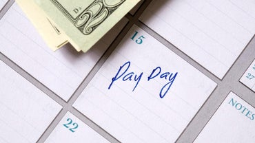 How Many Paid Periods Are There When an Employee Is Paid Semi-Monthly?