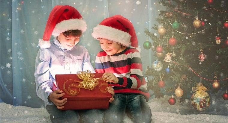 many-people-celebrate-christmas-year
