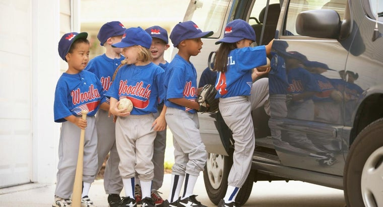 many-people-play-baseball-united-states