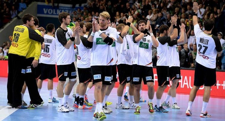many-players-handball-team