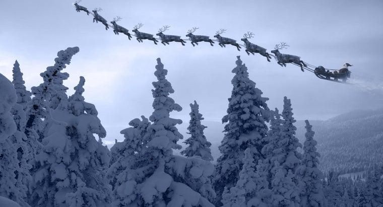 many-reindeer-santa