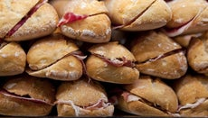 How Many Sandwiches Does It Take to Feed 100 People?