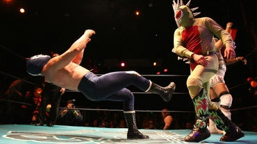 How Does Mexican Wrestling Work?