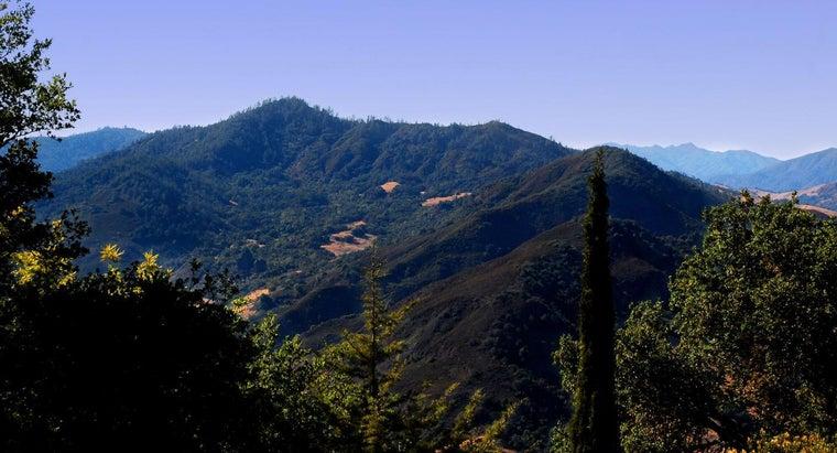 mountain-range-runs-along-california-s-coastline