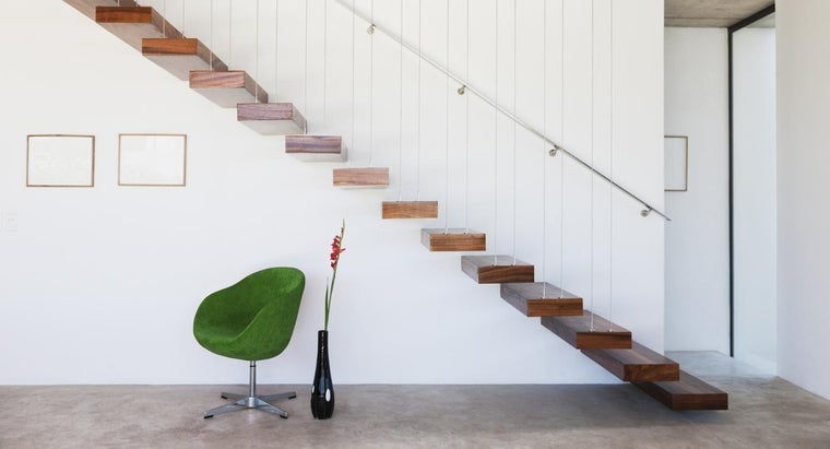 move-heavy-furniture-up-stairs