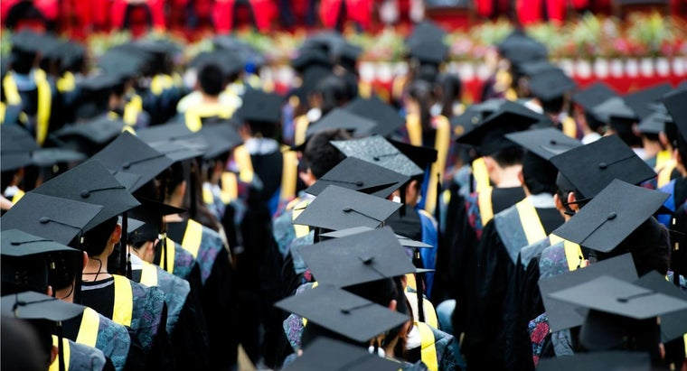 much-average-college-student-spend