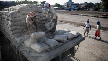 How Much Does a Bag of Cement Weigh?