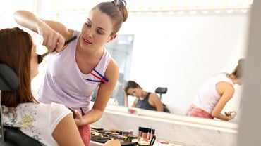 How Much Do Cosmetologists Usually Earn?