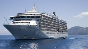How Much Does a Cruise Ship Weigh?