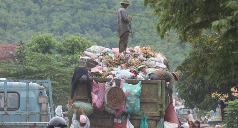 much-garbage-collector-make-per-year