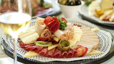How Much Lunch Meat Should You Serve Per Person on a Party Tray?