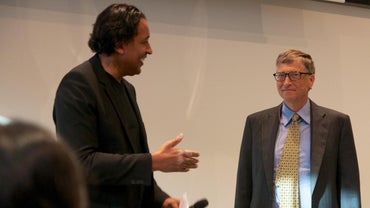 How Much Money Does Bill Gates Make Per Year?