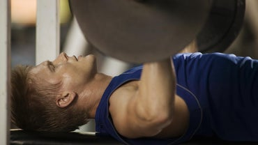 How Much Should a Man Be Able to Bench Press Based on His Body Weight?