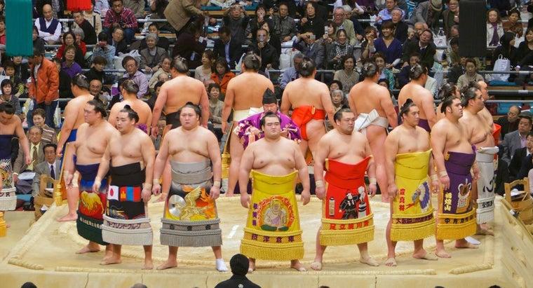 much-sumo-wrestler-weigh