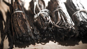 How Much Vanilla Extract Equals One Vanilla Bean?