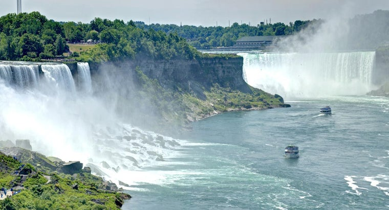 much-water-pours-over-niagara-falls-second