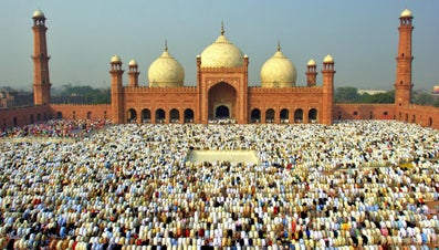 How Do Muslims Celebrate Eid-Ul-Fitr?