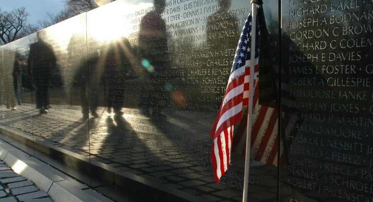 names-arranged-vietnam-veterans-memorial-wall