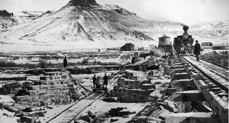 long-did-build-transcontinental-railroad