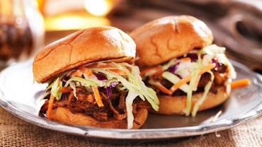 How Does One Make Barbecue Sauce for Pulled Pork?
