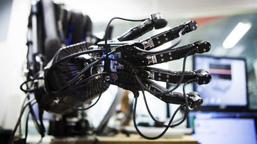 What Are Some Online Games Where You Can Build a Robot?