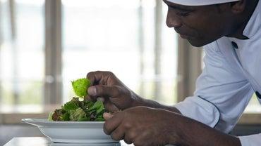 What Is a Pantry Cook's Job Description?